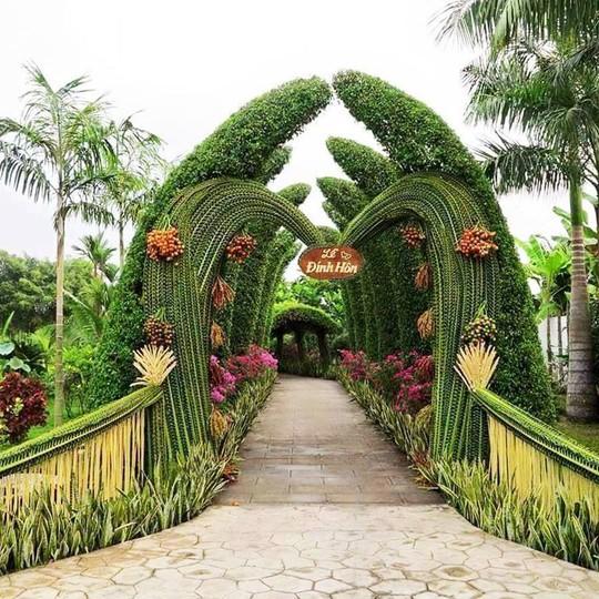 Chùm ảnh: Về miền Tây dự đám cưới có cổng lá dừa - Ảnh 3.