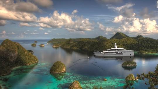 Siêu du thuyền có khả năng phá băng như tàu chiến - Ảnh 3.