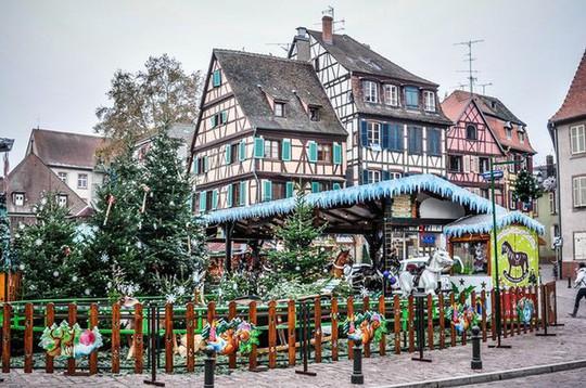 Những khu chợ Giáng sinh tuyệt nhất châu Âu - Ảnh 3.