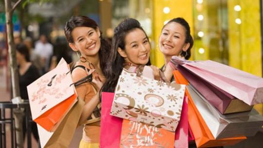 4 chiêu mua hàng hiệu giảm giá ở nước ngoài dịp cuối năm - Ảnh 3.