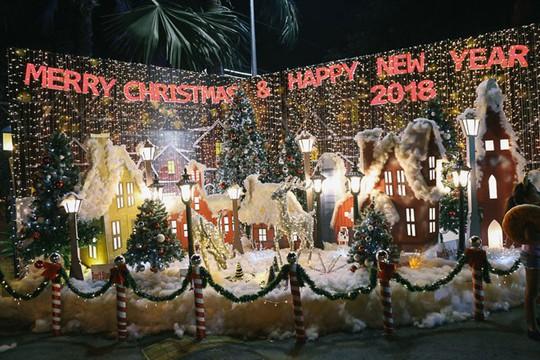 8 điểm đi chơi Noel lãng mạn nhất Sài Gòn - Ảnh 3.