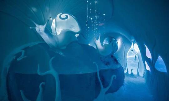Thụy Điển mở cửa khách sạn xây từ băng tuyết - Ảnh 3.