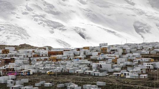 Cuộc sống nghèo không thể tả ở thành phố cao nhất thế giới - Ảnh 7.