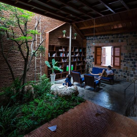 Nhà nhỏ trên cao nguyên Lâm Đồng đẹp như bước ra từ truyện cổ - Ảnh 21.
