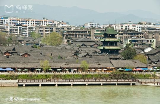 Những điểm du lịch nổi như cồn, đẹp lung linh ở Trung Quốc - Ảnh 21.