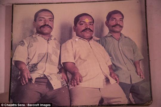 Đã có lúc, gia đình Ram Raj có 18 trên 21 người là chú lùn.