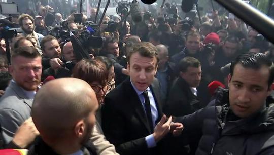 Pháp: Bà Le Pen phục kích ông Macron - Ảnh 3.