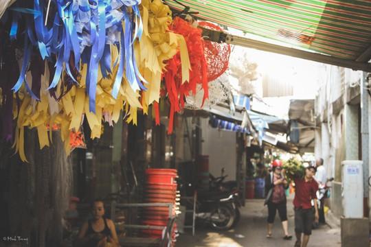 Sắc màu bình dị tại chợ hoa lớn nhất Sài Gòn - Ảnh 4.