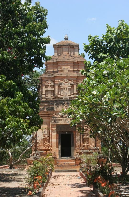 Độc đáo tháp cổ Bình Thạnh - Ảnh 4.