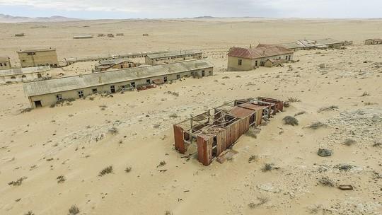 15 địa điểm đẹp bị bỏ hoang như TP ma trên thế giới - Ảnh 4.