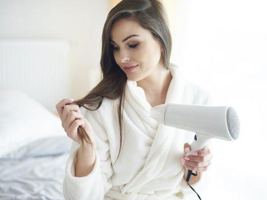 Sử dụng máy sấy tóc thế nào cho hợp lý? - Ảnh 4.