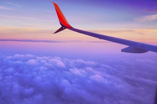 10 điều nên làm trên máy bay để thư giãn trong suốt hành trình - Ảnh 4.