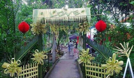 Chùm ảnh: Về miền Tây dự đám cưới có cổng lá dừa - Ảnh 4.