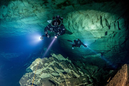 Hang Sơn Đoòng là địa danh phiêu lưu hấp dẫn nhất thế giới - Ảnh 4.