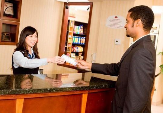 6 điều bạn hay quên khi làm thủ tục thanh toán khách sạn - Ảnh 4.