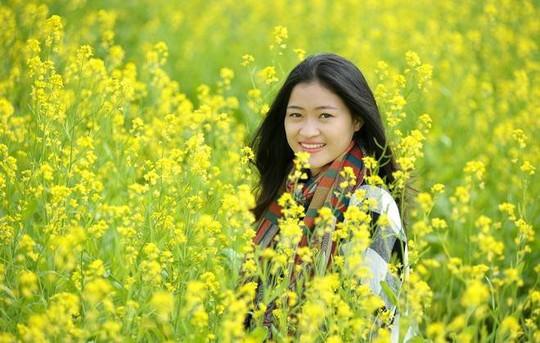 Đi chụp ảnh thôi, hoa cải đã nở vàng rực rỡ rồi kìa! - Ảnh 4.