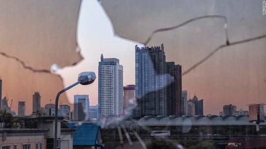 """Lạnh gáy với """"Tòa tháp ma"""" chọc trời giữa lòng Bangkok - Ảnh 12."""