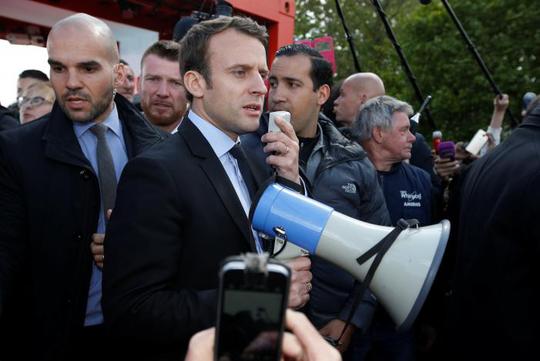 Pháp: Bà Le Pen phục kích ông Macron - Ảnh 4.