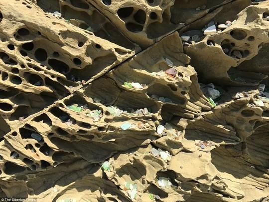 Bãi biển thủy tinh lấp lánh có nguy cơ biến mất - Ảnh 5.