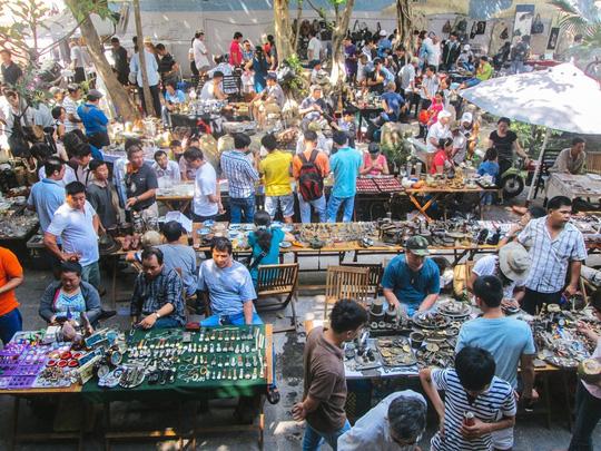 5 phố đồ cũ nên ghé đến ở Sài Gòn - Ảnh 5.