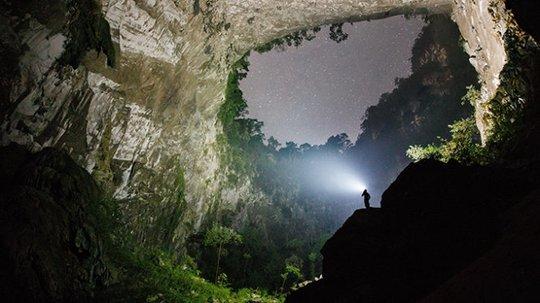 Hang Sơn Đoòng nằm trong các khu cắm trại độc đáo nhất thế giới - Ảnh 5.