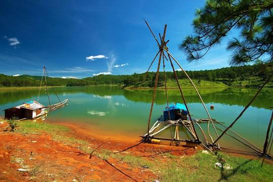 Mục sở thị hồ nước đẹp hàng đầu tại miền Nam Việt Nam - Ảnh 5.
