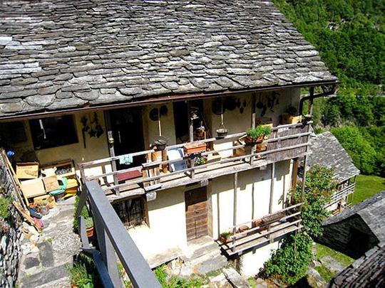 Ngôi làng chỉ có 13 người sắp trở thành khách sạn - Ảnh 5.