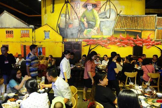 Ăn uống dưới phố ngầm giữa trung tâm Sài Gòn - Ảnh 5.