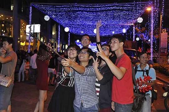 8 điểm đi chơi Noel lãng mạn nhất Sài Gòn - Ảnh 5.