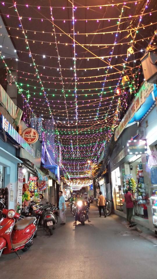 Không khí Noel ở những xóm đạo lớn nhất Sài Gòn - Ảnh 5.