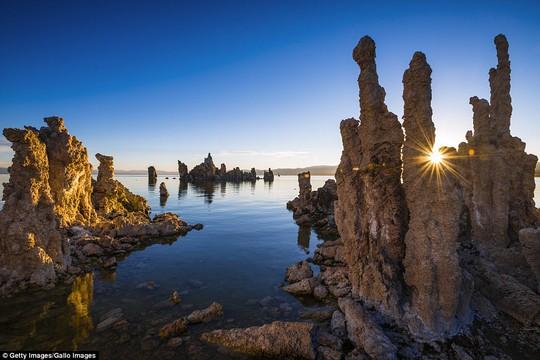 Đẹp ngỡ ngàng các tháp đá