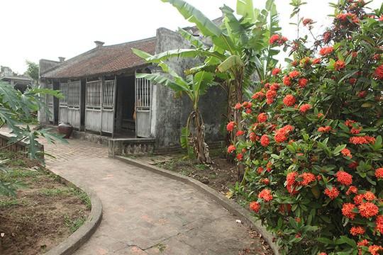 Ngôi nhà Bá Kiến hơn 100 năm tuổi ở làng Vũ Đại - Ảnh 2.