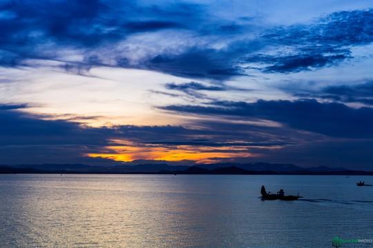 Bình minh tuyệt đẹp ở làng chài trên sông Đồng Nai - Ảnh 6.