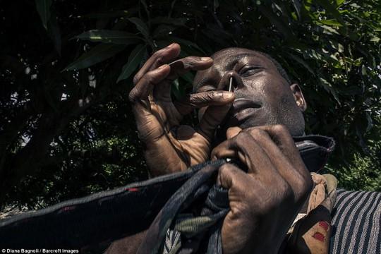 Để được kết hôn, nam thanh niên Senegal sống trong rừng một tháng - Ảnh 6.