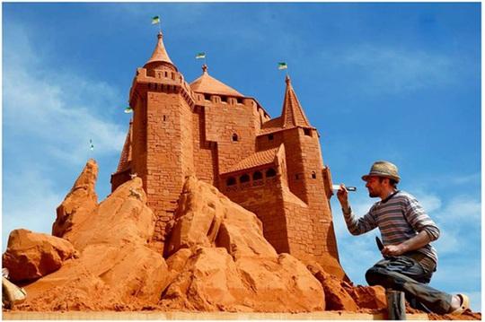 Phan Thiết có Công viên tượng cát đầu tiên trên thế giới - Ảnh 6.