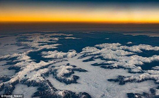 Ảnh châu Âu từ trên cao cực đẹp do phi công chụp từ buồng lái máy bay - Ảnh 6.