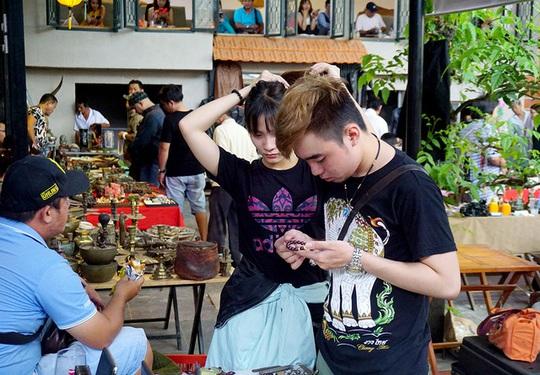 Chợ ve chai nghìn đô giữa lòng Sài Gòn - Ảnh 6.
