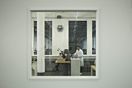 Bí mật 150 năm của xưởng sản xuất đồng hồ Thụy Sỹ - Ảnh 6.