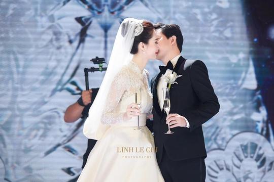 Khoảnh khắc ngọt ngào của hoa hậu Thu Thảo và chồng - Ảnh 6.