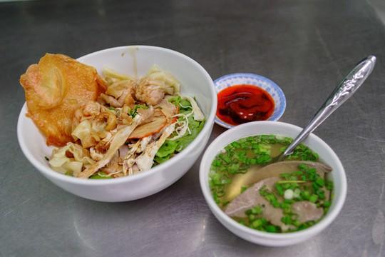 Tiệm mì 70 năm của người Hoa giữa lòng Sài Gòn - Ảnh 6.