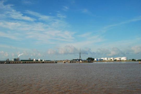 Ngắm dòng sông nổi tiếng bậc nhất trong lịch sử Việt Nam - Ảnh 7.