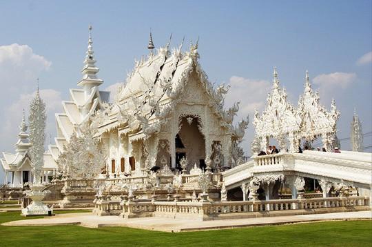 Khám phá ngôi đền trắng kỳ dị ở Thái Lan - Ảnh 5.