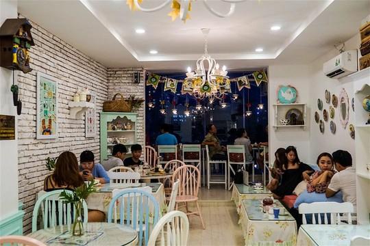 7 quán cà phê khách Tây mách nhau phải ghé ở Sài Gòn - Ảnh 9.