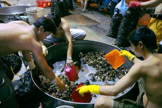 """Chợ """"độc"""" ở Sài Gòn, gần nửa thế kỷ chỉ bán một mặt hàng lúc nửa đêm - Ảnh 6."""