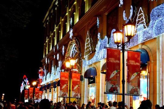 8 điểm đi chơi Noel lãng mạn nhất Sài Gòn - Ảnh 6.
