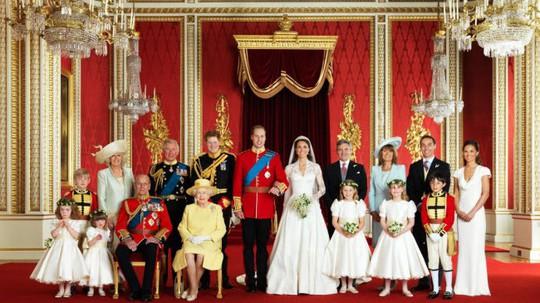Khám phá bên trong nơi ở xa hoa của Nữ hoàng Anh - Ảnh 2.