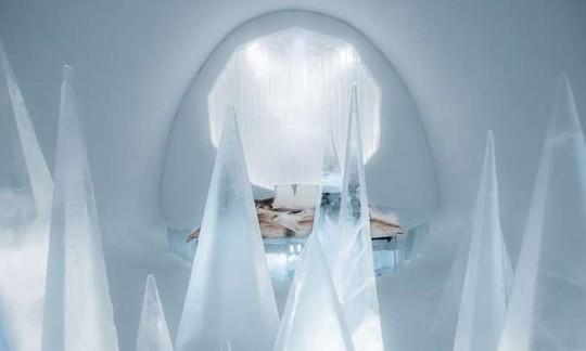 Thụy Điển mở cửa khách sạn xây từ băng tuyết - Ảnh 6.