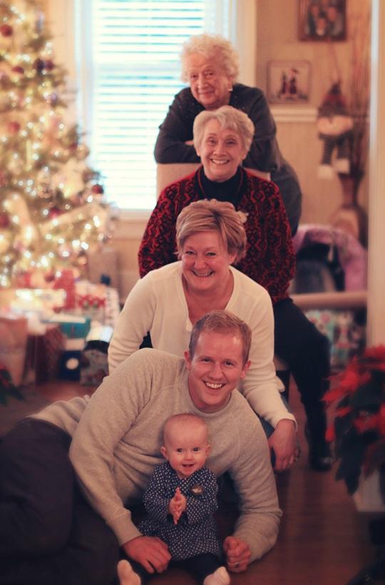 Gia đình với 5 thế hệ thật dễ thương làm sao