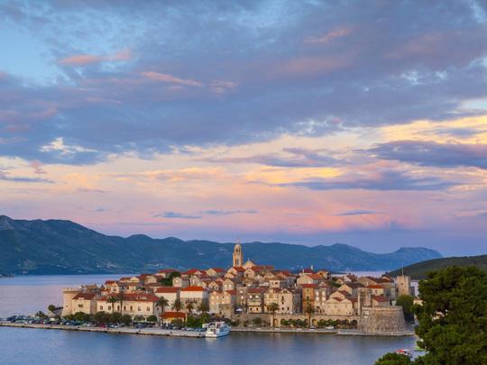 Những thị trấn nhỏ xinh lãng mạn khắp thế giới