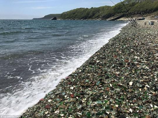 Bãi biển thủy tinh lấp lánh có nguy cơ biến mất - Ảnh 7.